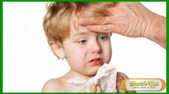 7 Cara Mengatasi Bayi Batuk Pilek yang Tak Kunjung Sembuh