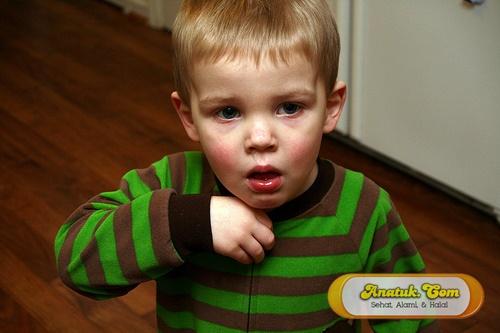 cara menyembuhkan batuk pilek pada anak